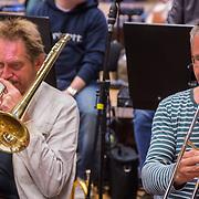 NLD/Hilversum/20130930 - Repetitie Metropole Orkest voor concert, vrnl Bart van Lier, Jan Oosting