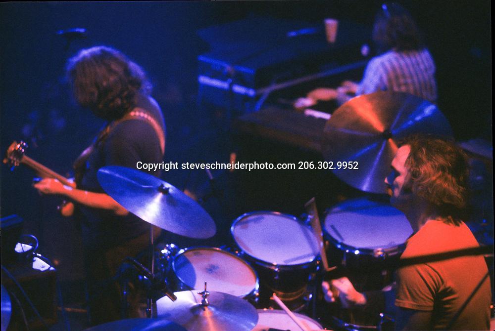 Grateful Dead play Winterland Arena, San Francisco, CA on 6-6-1977