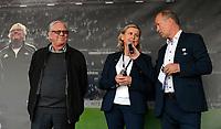 """Fotball Tippeligaen Rosenborg - Sarpsborg 08<br /> 24 august 2014<br /> Lerkendal Stadion, Trondheim<br /> <br /> <br /> Nils Arne Eggen (V) ved avdukingen av """"Nils Arne Eggens Plass"""" Til Høyre : Tove Moe Dyrhaug og Gøran Sørloth<br /> <br /> <br /> Foto : Arve Johnsen, Digitalsport"""