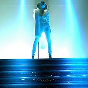 NLD/Rotterdam/20061202 - Concert Christina Aguilera Back To Basics tour, drummer