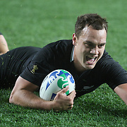 Israel Dagg, New Zealand, scores a try during the New Zealand V France, Pool A match during the IRB Rugby World Cup tournament. Eden Park, Auckland, New Zealand, 24th September 2011. Photo Tim Clayton...