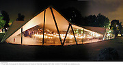 30th Aniversary Gala Dinner, Serpentine Gallery.20 June 2000, serpentine7<br /> © Copyright Photograph by Dafydd Jones 66 Stockwell Park Rd. London SW9 0DA Tel 020 7733 0108 www.dafjones.com
