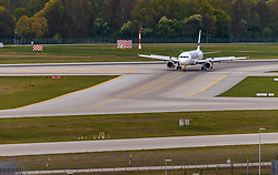 THEMENBILD - ein Airbus A321 der finnischen Fluglinie Finnair mit der Kennung OH-LZB am Rollfeld, aufgenommen am 13. April 2017, Flughafen München, Deutschland // an Airbus A321 of the Finnish Airline Finnair with the registration number OH LZB on the Airstrip after Landing at the Munich Airport, Germany on 2017/04/13. EXPA Pictures © 2017, PhotoCredit: EXPA/ JFK