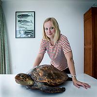 Nederland,Amsterdam, 11 juni 2017.<br />Suzanne Sniekers uit Landgraaf, woont in Adam, heeft meegewerkt aan baanbrekend onderzoek naar het verband tussen dna en intelligentie. Ze is doctor in de wiskundige maar maakt allesbehalve die indruk...<br /> <br /> Foto: Jean-Pierre Jans