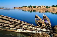 Mali, Djenné, Patrimoine mondial de l'UNESCO, Navigation en pinasse