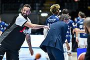 Marco Belinelli, Gianmarco Pozzecco<br /> Segafredo Virtus Bologna - Banco di Sardegna Dinamo Sassari<br /> LBA Legabasket Serie A UnipolSai 2020-2021<br /> Bologna, 06/12/2020<br /> Foto L.Canu / Ciamillo-Castoria