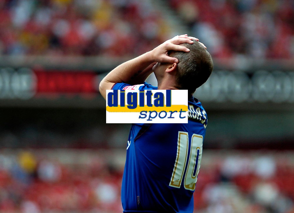 Photo: Ed Godden.<br />Nottingham Forest v Bradford City. Coca Cola League 1.<br />05/08/2006. Bradford's Dean Windass can't believe he missed the target.