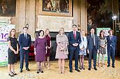 Koningin Maxima bij jubileum Wijzer in geldzaken