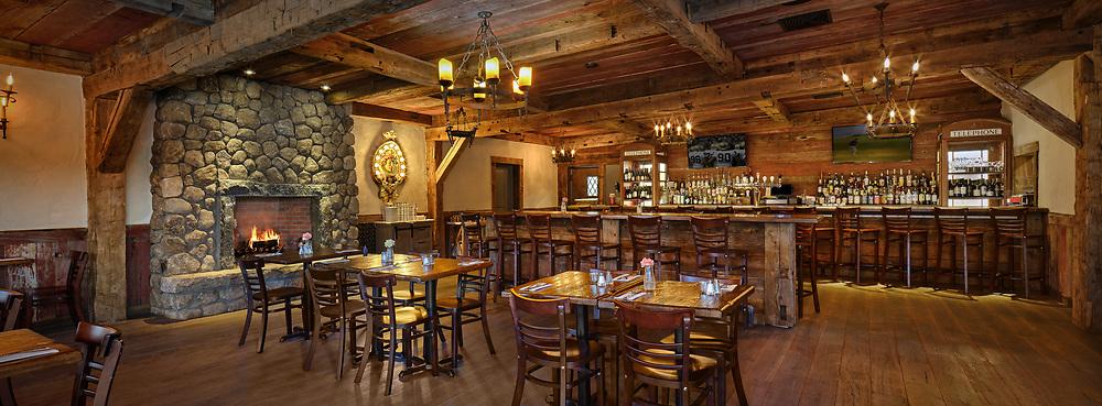 Little Pub Bar - Old Saybrook, CT