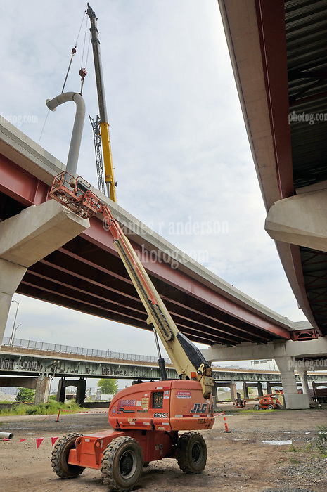 Installing Monotube Highway Sign Support. Pearl Harbor Memorial Bridge, New Haven Harbor Crossing Corridor. CT DOT Contract B1 Project No. 92-618 Progress Photography. Northbound West Approaches. Ninth and Final on site photo capture of once every four month chronological documentation.