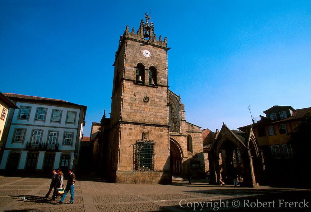 PORTUGAL, NORTH, MINHO Guimaraes, Colegiada church