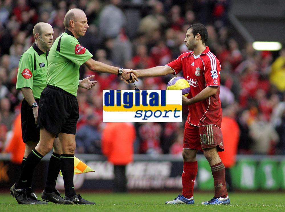 Photo: Paul Thomas.<br /> Liverpool v Sheffield United. The Barclays Premiership. 24/02/2007.<br /> <br /> Javier Mascherano (R) of Liverpool thanks referee Steve Bennett after the game.