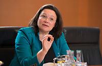 DEU, Deutschland, Germany, Berlin, 14.12.2016: Bundesarbeitsministerin Andrea Nahles (SPD) vor Beginn der 129. Kabinettsitzung im Bundeskanzleramt.