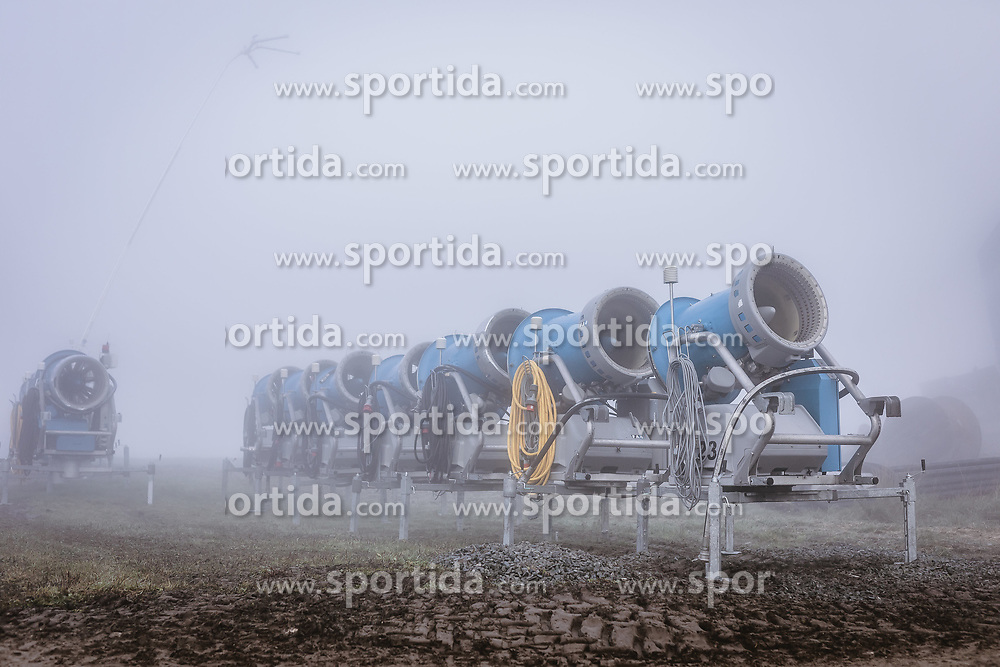 THEMENBILD - Schneekanonen im Nebel, aufgenommen am 11. Oktober 2019, Kaprun, Österreich // Snow Making Machines in the Fog on 2019/10/11, Kaprun, Austria. EXPA Pictures © 2019, PhotoCredit: EXPA/ JFK