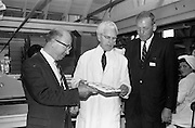 8/9/1964<br /> 9/8/1964<br /> 8 September 1964<br /> <br /> Mr P.F. Dorgan Editor of the Cork Examiner, Mr N. Flynn of Urney Chocolates and Mr. Charles P. Davis of the Journal of Commerce looking at some of the finished product