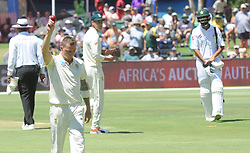 Pretoria 26-12-18. The 1st of three 5 day cricket Tests, South Africa vs Pakistan at SuperSport Park, Centurion. Day 1. South African batsman Dale Steyn raises his hand to the crowd after he had taken his 422th wicket.<br /> Picture: Karen Sandison/African News Agency(ANA)