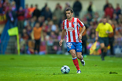 MADRID, SPAIN - Wednesday, October 22, 2008: Club Atletico de Madrid's Simao in action against Liverpool during the UEFA Champions League Group D match at the Vicente Calderon. (Photo by David Rawcliffe/Propaganda)