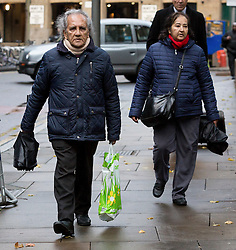 © Licensed to London News Pictures. 27/11/2015. London, UK. ARAVINDAN BALAKRISHNAN arrives at Southwark Crown Court in London. Balakrishnan, a Maoist cult leader from Brixton faces 16 charges which he denies, including rape, sexual assault and assault of two women, and wrongful imprisonment and child cruelty in respect of his daughter. Photo credit : Vickie Flores/LNP