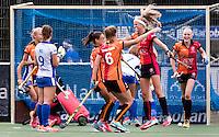 UTRECHT - HOCKEY - Yibbi Jansen (Oranje-Rood) heeft gescoord  en viert het met Marlena Rybacha (Oranje-Rood) en Daphne van der Velden (Oranje-Rood) tijdens     de hoofdklasse hockeywedstrijd dames Kampong-Oranje-Rood (0-5) .COPYRIGHT KOEN SUYK