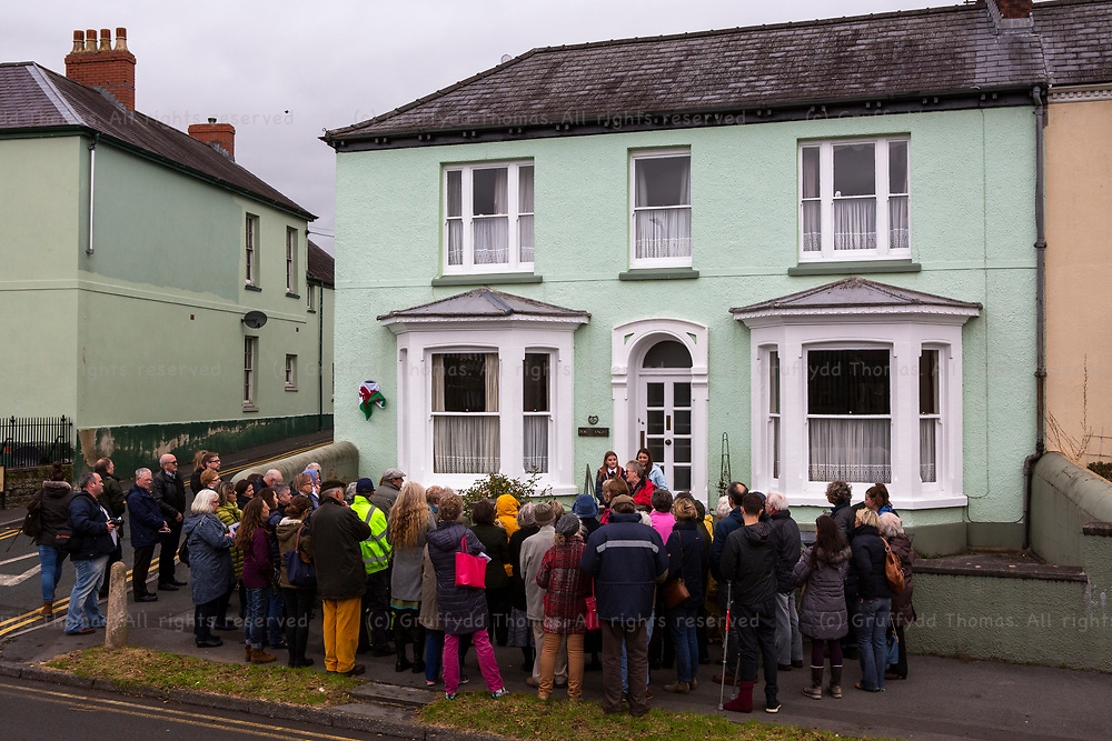 Picton Terrace, Carmarthen, Wales, UK. Saturday 3 November 2018.  A Carmarthen Civic Society Blue Plaque, dedicated to Alice Abadam, is unveiled at 26 Picton Terrace, Carmarthen.<br /> <br /> Alice Abadam was a feminist, suffragist, author and orator and lived in the house from 1886 to 1904. She was related to a family that once owned Middleton Hall, site of the National Botanic Garden of Wales.