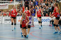 20170430 NED: Eredivisie, VC Sneek - Sliedrecht Sport: Sneek<br />Teleurstelling bij VC Sneek, oa Monique Volkers (12) of VC Sneek <br />©2017-FotoHoogendoorn.nl / Pim Waslander