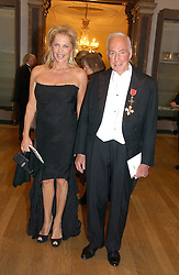 DONALD KAHN and EVA MARIA O'NEILL at The Royal Academy dinner before the official opening of the Summer Exhibition held at the Royal Academy of Art, Burlington House, Piccadilly, London W1 on 6th June 2006.<br /><br />NON EXCLUSIVE - WORLD RIGHTS