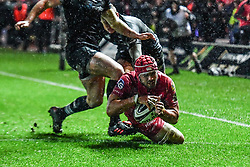 Scarlets' Josh Macleod scores the game winning try - Mandatory by-line: Craig Thomas/Replay images - 26/12/2017 - RUGBY - Parc y Scarlets - Llanelli, Wales - Scarlets v Ospreys - Guinness Pro 14