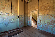 Wonderful colours in this old & dilapidated diamond-mine building. The hole in the floor was a most surreal illusion.