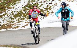 05.05.2016, Kitzbuehler Horn, Kitzbuehel, AUT, OeSV, Skisprung, Lehrgang Mountainbike Tour, im Bild Cheftrainer Heinz Kuttin (AUT), Physiotherapeut Klaus Ullmann (AUT) // Headcoach Heinz Kuttin of Austria, Physiotherapist Klaus Ullmann of Austria during a mountain bike ride of the Austrian ski jumping Team at the Kistbuehler Horn, Kitzbuehel, Austria on 2016/05/05. EXPA Pictures © 2016, PhotoCredit: EXPA/ JFK
