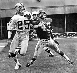 Oakland Raiders Fred Biletnikoff and Viking #43,,<br />(1972-73 photo/Ron Riesterer)
