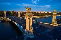 France, Paris (75), les rives de la Seine, classées Patrimoine Mondial de l'UNESCO, le pont Alexandre III // France, Paris, Alexandre III bridge