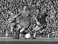 Fotball<br /> Liverpool<br /> Foto: Colorsport/Digitalsport<br /> NORWAY ONLY<br /> <br /> Peter Thompson (Liverpool) Tommy Baldwin (Chelsea) Liverpool v Chelsea. 3/10/70.