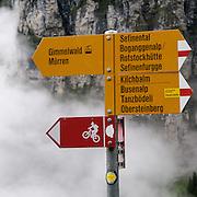 Wegweiser zum Sefinental, Sefinenfurgge, Rotstockhütte und Obersteinberg