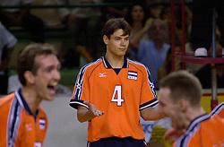28-07-2000 FRA: Olympisch Kwalificatie Toernooi Nederland - Frankrijk, Castelnau Le Lez<br /> Nederland wint in een beladen duel van Frankrijk en plaatst zich voor de Olympische Spelen in Sydney / Reinder Nummerdor