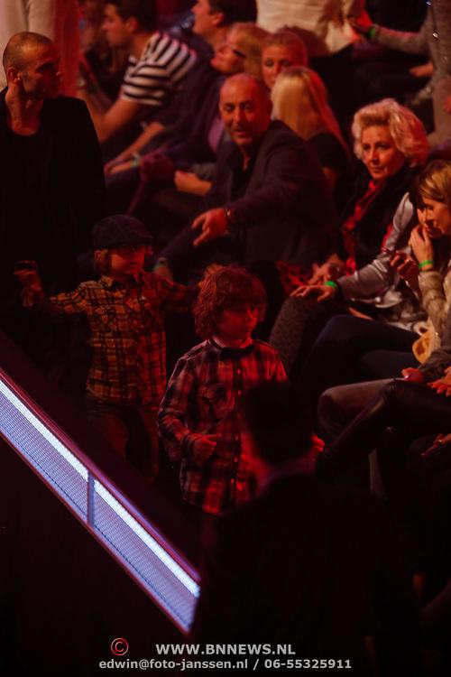 NLD/Hilversum/20121214 - Finale The Voice of Holland 2012, Saner van eeden, ex man Trijntje Oosterhuis met kinderen