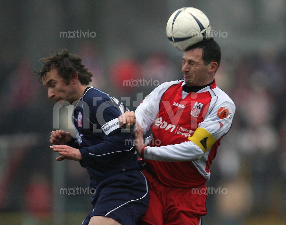 Erfurt , 100207 , Fussball Regionalliga Nord FC Rot Weiss Erfurt - LR Ahlen  Alexander SCHNETZLER (Erfurt) spielt gegen Jens BAEUMER (Ahlen)