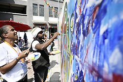 YINCHUAN, Sept. 7, 2016 (Xinhua) -- Artists make a painting at the opening ceremony of Yinchuan Internationl Art Symposium in Yinchuan, northwest China's Ningxia Hui Autonomous Region, Sept. 7, 2016. More than 30 artists from 26 countries participated in the event.  (Xinhua/Wang Peng) (wx) (Credit Image: © Wang Peng/Xinhua via ZUMA Wire)