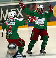 Ishockey , Get - ligaen <br /> 04.04.08 2008 NM Finale 6 av 7 <br /> Hamar OL-Amfi<br /> Storhamar  Dragons  v  Frisk  Asker<br /> <br /> Foto:Dagfinn Limoseth  -  Digitalsport<br /> <br /> Cameron Abbott , Frisk og Erik Russwurn , Frisk jubler
