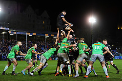Rhys Davies of Bath Rugby wins the ball at a lineout - Mandatory byline: Patrick Khachfe/JMP - 07966 386802 - 10/01/2020 - RUGBY UNION - The Recreation Ground - Bath, England - Bath Rugby v Harlequins - Heineken Champions Cup