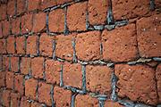 Diamantina_MG, Brasil..Muro feito de Tijolos coloniais em Diamantina, Minas Gerais..Colonial wall made of bricks in Diamantina, Minas Gerais..Foto: JOAO MARCOS ROSA / NITRO