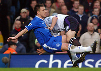 Fotball<br /> Premier League 2004/05<br /> Chelsea v Manchester City<br /> 6. februar 2005<br /> Foto: Digitalsport<br /> NORWAY ONLY<br /> Chelsea's John Terry is tackled in an usual manner by City's Danny Mills