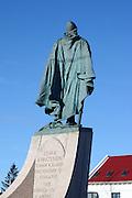 A statue of Leifur Ericsson (Leifr Eiricsson) outside the Hallsgrimskirkja in Reykjavik, Iceland.
