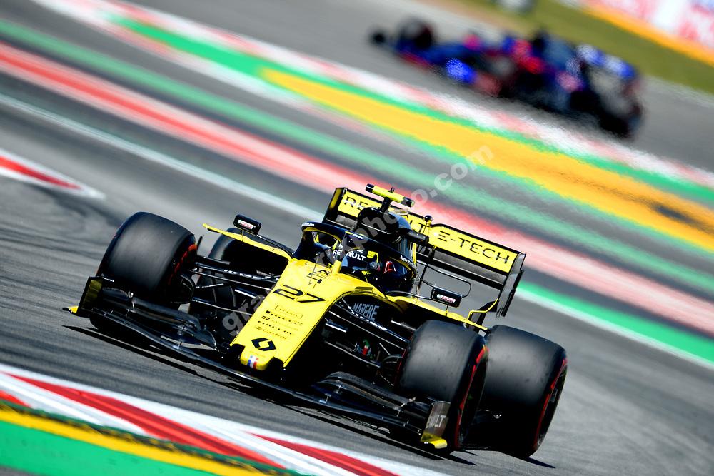 Nico Hulkenberg (Renault) leading Daniil Kvyat (Toro Rosso-Honda) during practice before the 2019 Spanish Grand Prix at the Circuit de Barcelona-Catalunya. Photo: Grand Prix Photo