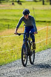 August 7, 2018 - VLDalen, SVERIGE - 180807 Stina Nilsson pÅ' ett cykelpass under en presstrÅff den 7 Augusti 2018 i VÅ'lÅ'dalen  (Credit Image: © Johan Axelsson/Bildbyran via ZUMA Press)