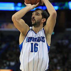 06 February 2009: New Orleans Hornets forward Peja Stojakovic (16) shoots a three pointer during a 101-92 win by the New Orleans Hornets over the Toronto Raptors at the New Orleans Arena in New Orleans, LA.