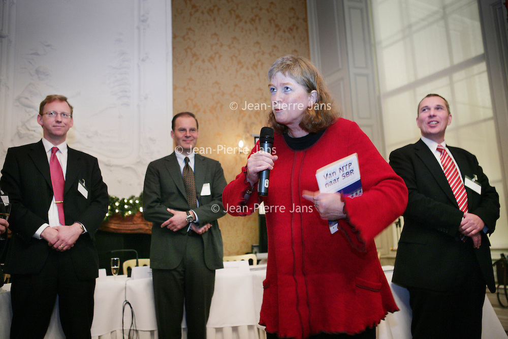 Nederland, Den Haag,11 december 2008..Contractondertekening Van NTP naar SBR..Op de foto Mevrouw Theunissen van Justitie.