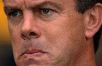 Photo. Daniel Hambury.Digitalsport<br /> Barclays Premiership.    <br /> Norwich City v Aston Villa.<br /> 18/09/2004.<br /> Aston Villa's David O'Leary