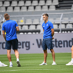 27.06.2020, xmeix, 1.Fussball Bundesliga, Borussia Dortmund - TSG 1899 Hoffenheim, empor. v.l.n.r, <br /> Florian Grillitsch (TSG 1899 Hoffenheim) mit Pavel Kaderabek (TSG 1899 Hoffenheim), Christoph Baumgartner (TSG 1899 Hoffenheim) und Stefan Posch (TSG 1899 Hoffenheim)<br /> <br /> <br /> <br /> Foto: Sascha Meiser/APF/Pool/PIX-Sportfotos<br /> <br /> Nur für journalistische Zwecke!<br /> Only for editorial use!<br /> Nutzungsbedingungen: http://poolbilder.de/nutzungsvereinbarung.pdf<br /> <br /> Foto © PIX-Sportfotos *** Foto ist honorarpflichtig! *** Auf Anfrage in hoeherer Qualitaet/Aufloesung. Belegexemplar erbeten. Veroeffentlichung ausschliesslich fuer journalistisch-publizistische Zwecke. For editorial use only. DFL regulations prohibit any use of photographs as image sequences and/or quasi-video.