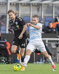 Anders Holst (FC Helsingør) presses af Sebastian Sommer (Kolding IF) under kampen i 1. Division mellem FC Helsingør og Kolding IF den 24. oktober 2020 på Helsingør Stadion (Foto: Claus Birch).