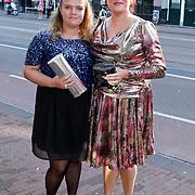 NLD/Amsterdam/20111002 - Uitreiking John Kraaijkamp awards 2011, Marjolein Touw en dochter Milla